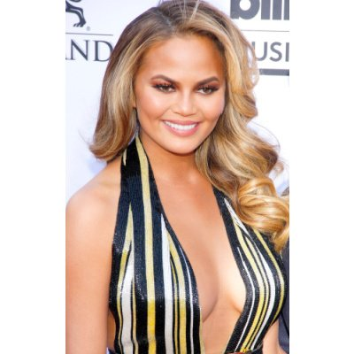 March is Endometriosis Awareness Month. Chrissy Teigen has it…but what is it and how does it affect fertility?